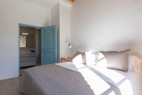 habitació doble amb bany allotjament rural